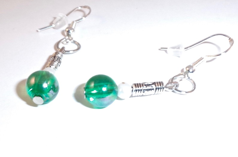 Green & Pearl Bead earrings
