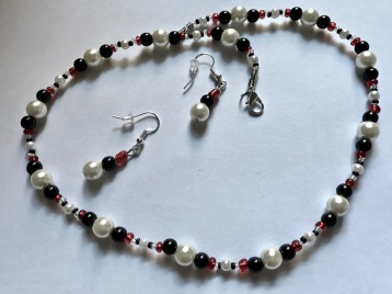 Glass pearl, black & red beads w matching earrings