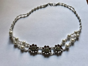 Glass pearl beads w feature silver & diamonte flowers