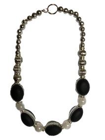 Black, silver & pearl glass & plastic beads